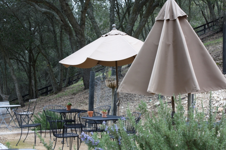 Outdoor tasting area at Alta Colina Estate Vineyard
