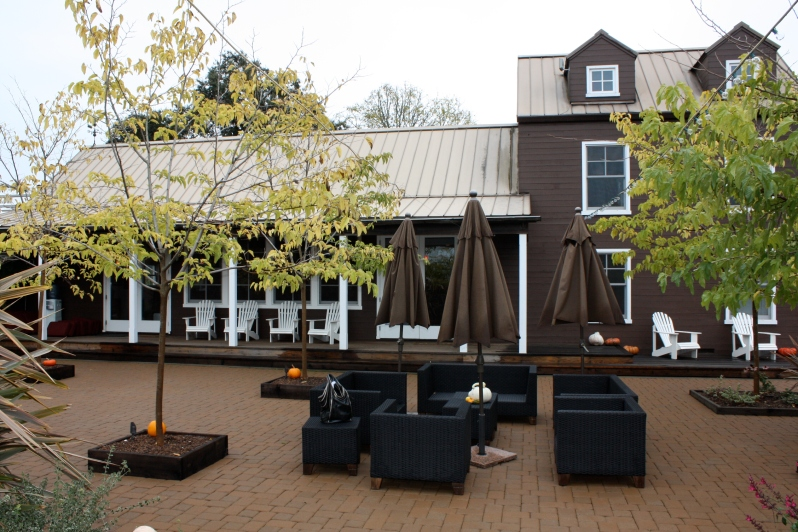 Truett-Hurst Winery - Outdoor Tasting Area