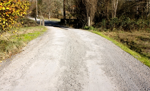 Unpaved drive to Iron Horse Vineyards
